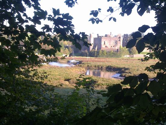 Laugharne, UK: The castle brown as owles