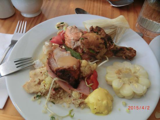 Tinkuy Buffet Restaurant at Sanctuary Lodge: 好みの量で