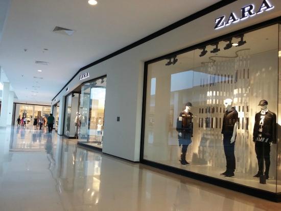 Iguatemi Esplanada  Quiosque espalhados pelo shopping. Iguatemi Esplanada   Lojas de grifes famosas a17dc546ca