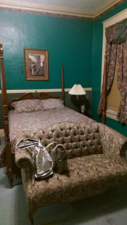 Hotel Warm Springs Bed and Breakfast Inn: Bedroom
