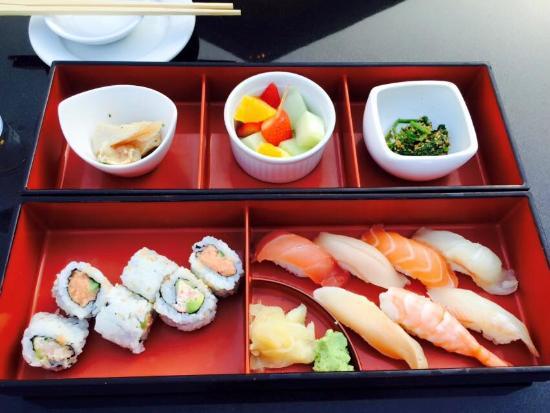 Bar Hayama : Sushi combo