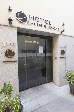 Hotel Real Illescas: Entrada Hotel