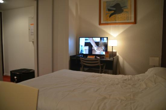 Adagio Access Paris La Villette : Nice big hdtv