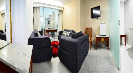 Grand International Hotel: Sala Jr Suite
