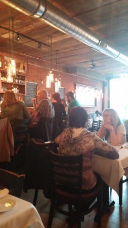 Ballston Spa, NY: Restaurant seating - adjacent to bar