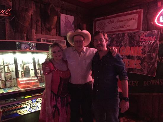 Arkey Blue's Silver Dollar Bar : Eu, Billye e Mr Arkey