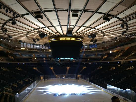 Inside penn station underneath and adjecant to msg - Penn station madison square garden ...