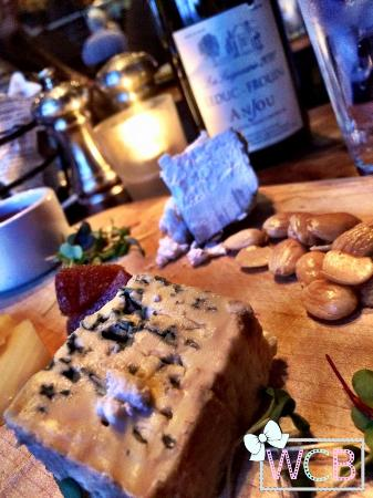Le Garage : The cheese plate appetizer