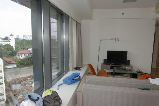 Citadines Mount Sophia Singapore : Room #1225 - View to construction work