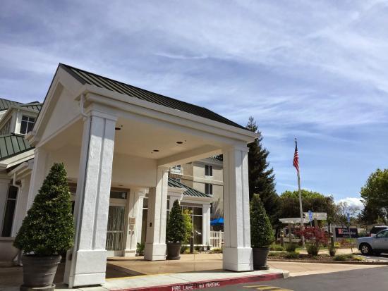 Hilton Garden Inn Mountain View: ホテルの外観
