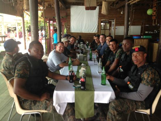 Hotel Backpackers & Restaurant : The Guatemalan Navy enjoying cold drinks and incredible hospitality