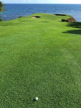 Ria Bintan Golf Club : Hole 8 - Again a ball donated to China. ;)