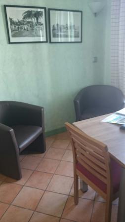 Appart'hôtel Odalys Palais Rossini : Appartement 32 deco verte verte