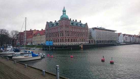 Hotel Oresund: Little harbour and buildings in Landskrona