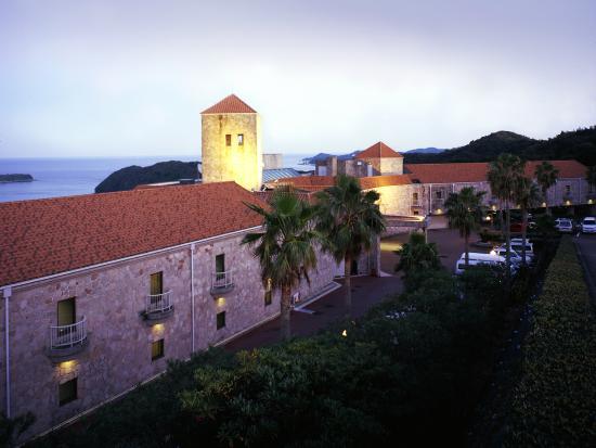 Hotel Altia Toba: 【外観】南フランスの建物を意識して作られた外観は、まるで海外に来たようです。
