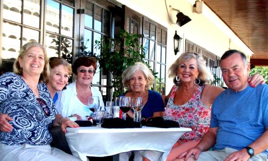 Olive & Oil - Umhlanga: Happy lunchtime reunion with old friends
