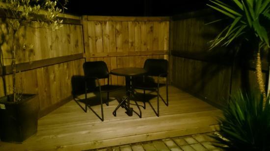 Red Rock Thermal Motel: Deluxe studio