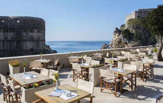 Dubravka 1836 Restaurant : Charming terrace with panoramic views of city walls, Minceta fortress and Lovrijenac fortress