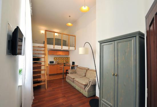 Reno Hotel: Apparment with Balcony