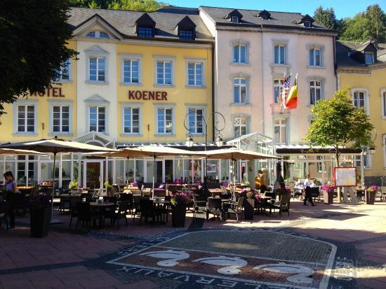 La demi pension en trois couverts photo de hotel for Hotel demi pension