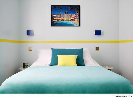 hotel henriette chambre double fil jaune fluo - Chambre Jaune Fluo