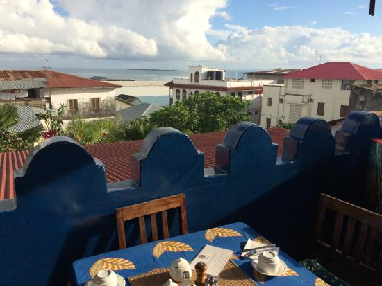 Warere Town House: View at breakfast