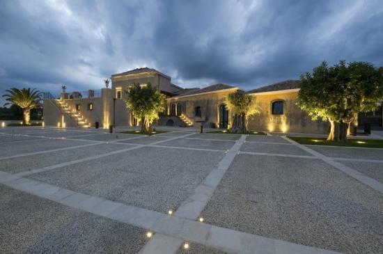 Giarre, Italien: La villa