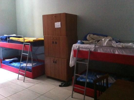 Four Seasons Hostel Rome: habitación