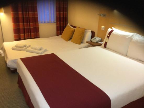 Holiday Inn Express Birmingham, Redditch: Bed