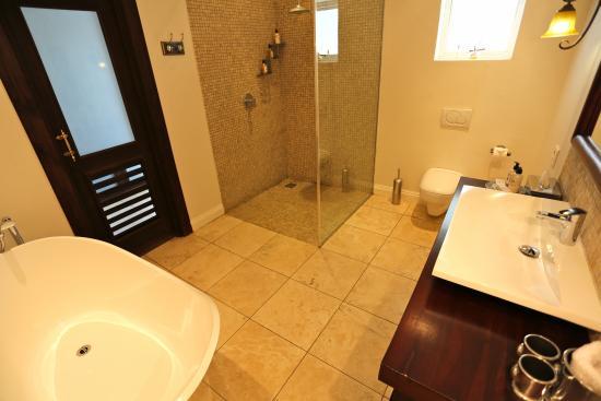 Belvedere Boutique Hotel: Luxury bathroom