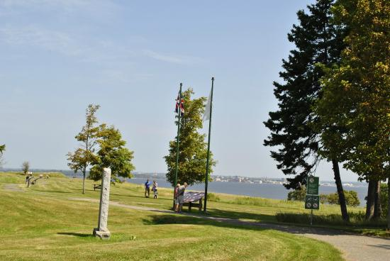 Port-la-Joye - Fort Amherst : Acadian Monument