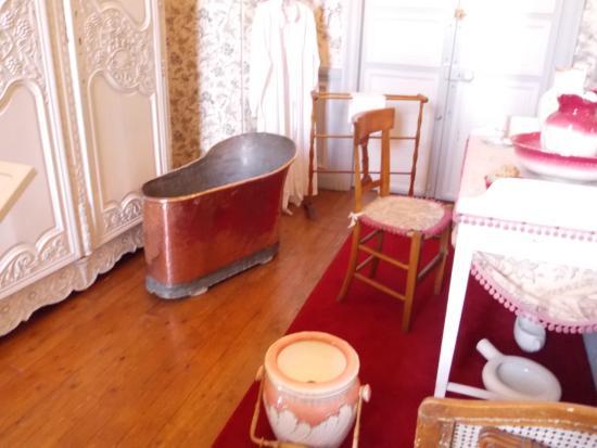 chateau de valencay salle de bain avec baignoire en cuivre - Salle De Bain Cuivre