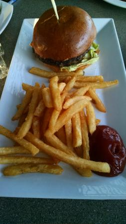 Sweetwaters: sirloin burger and crunchiest fries :)