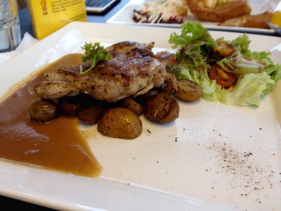 Charlie's Corner : Chicken Chop from Jacks Place tasted better & portion also value for money.