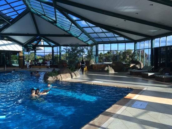 Piscina coberta picture of blue mountain hotel spa for Piscina coberta