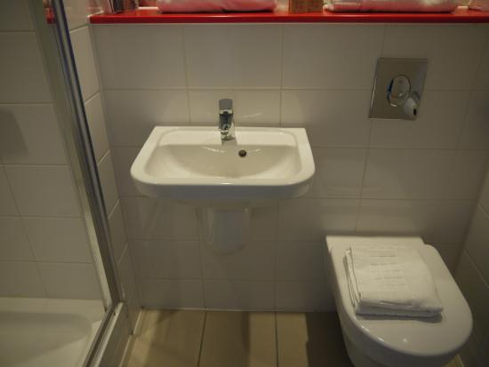 Bagno firmato villeroy & boch picture of point a hotel london