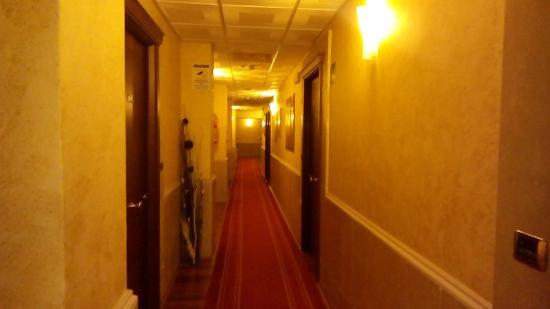 Hotel Teocrito: corridoio