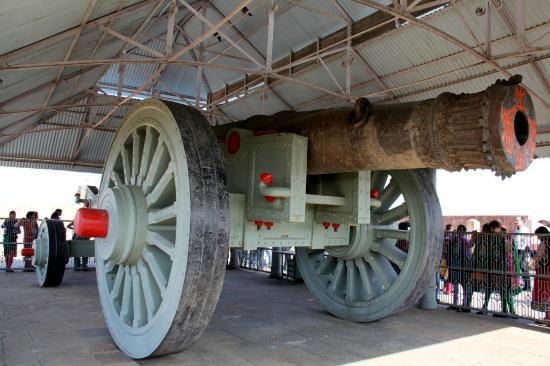 Jaigarh Fort: Jaivana, largest cannon on wheels