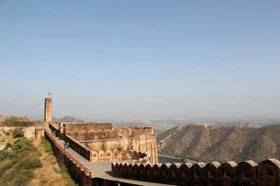 Jaigarh Fort: walk along the walls of the fort for views of the Aravallis