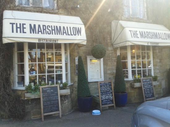 Marshmallow tearoom & restaurant: Exterior