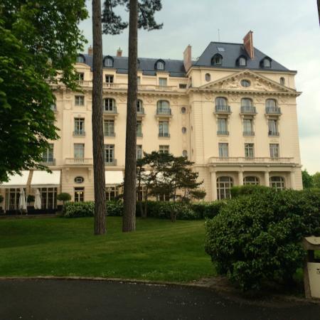 Calme et confort assur s picture of trianon palace versailles a waldorf astoria hotel - Hotel trianon versailles ...