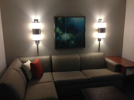 Hyatt Place Dallas-North: Sectional Pull Out Sofa