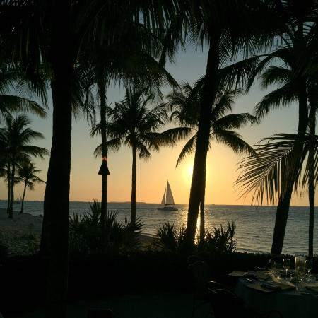 Sunset Key Cottages, A Luxury Collection Resort, Key West: Sunset at the hotel restaurant Latitudes