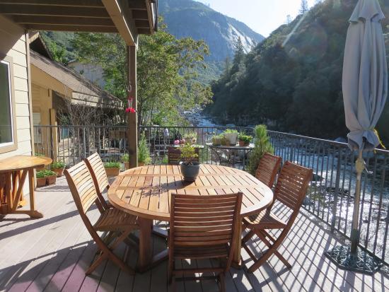 Yosemite Blue Butterfly Inn deck