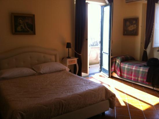 Villa Concetta: Chambre avec balcon