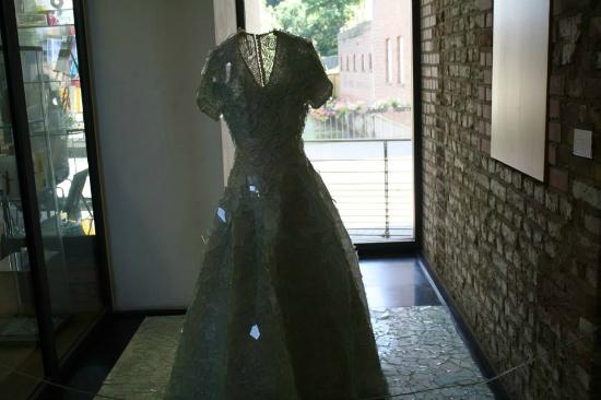 Linnich, Deutschland: Glass dress