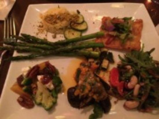 Firefly Grille: veggie plate