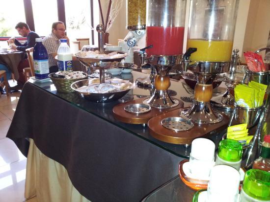 Parco Sassi Hotel : Vasto assortimento dolce e salato ( frutta fresca a volontà )