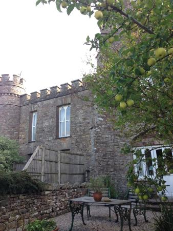 The Gate House entrance with private patio. - Picture of Augill ...