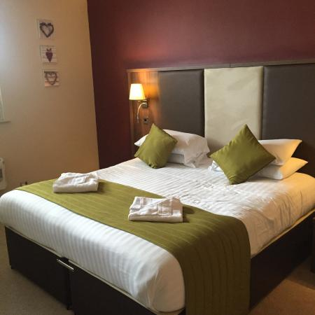 The Rochford Hotel: The massive comfy bed